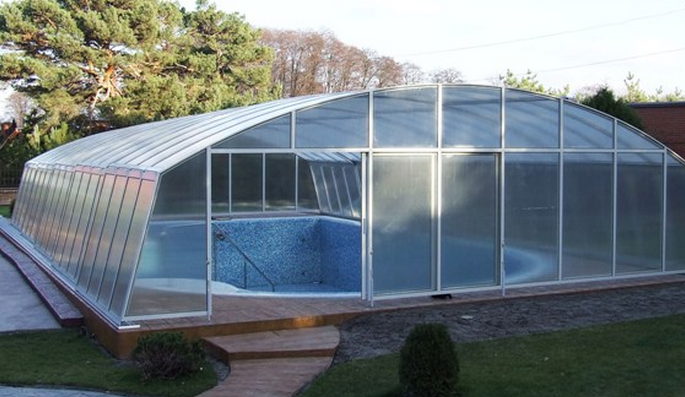 Павильон над бассейном: польза в любое время года